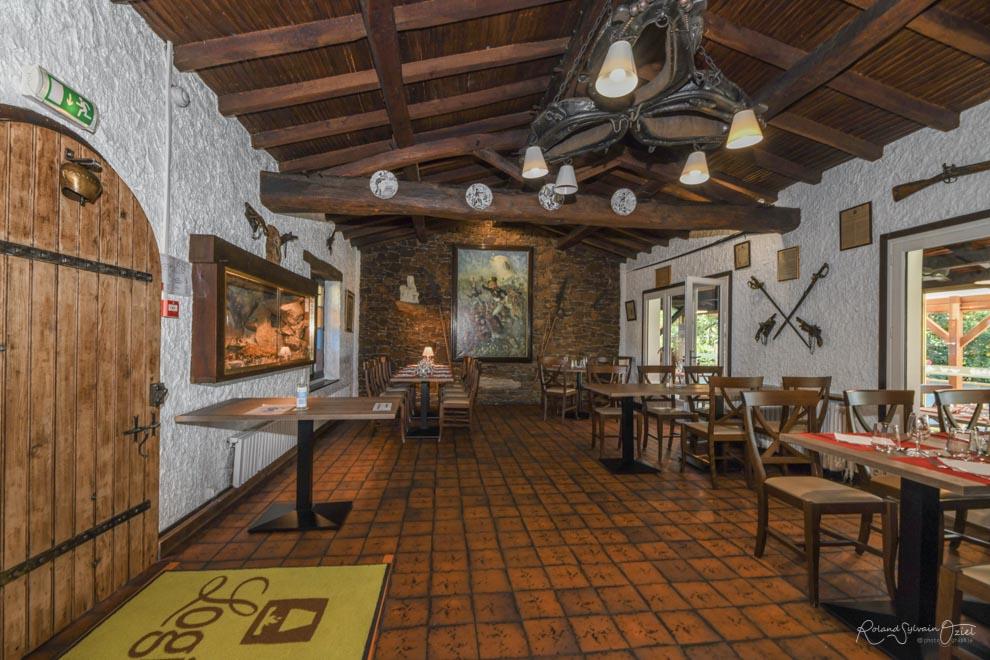 Salle du restaurant la Chaumière Saint Laurent sur Sèvre en Vendée