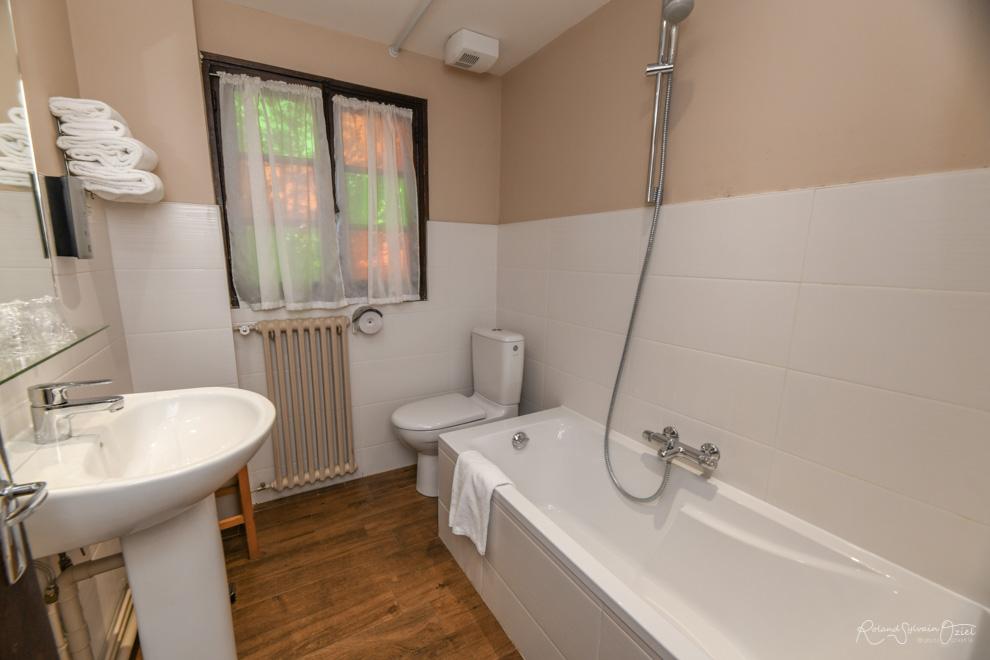 Chambre n° 3 hotel avec chambre salle de bain